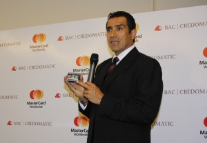Omar Jimenez (ranura para chip)