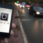Uber reduce en un 20% la tarifa de sus viajes
