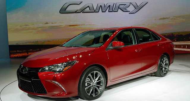 2017-Toyota-Camry