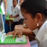 Más de 150 niños de escuelas públicas recibieron computadoras XO