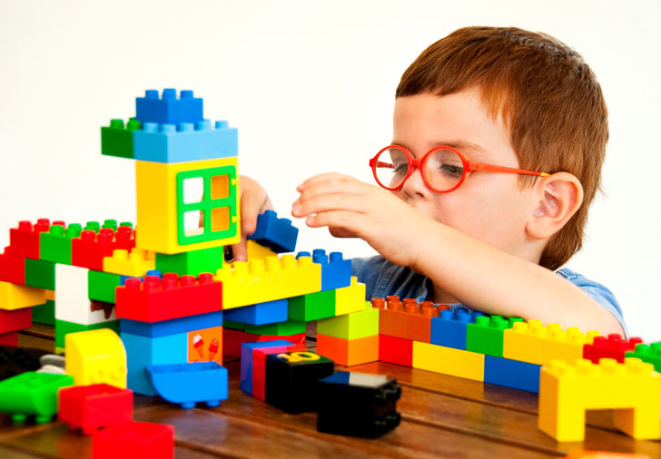 6 Beneficios Que Obtienen Los Ninos Al Jugar Con Legos Eka