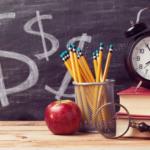 ¿Dónde le va salir más barato comprar útiles escolares?