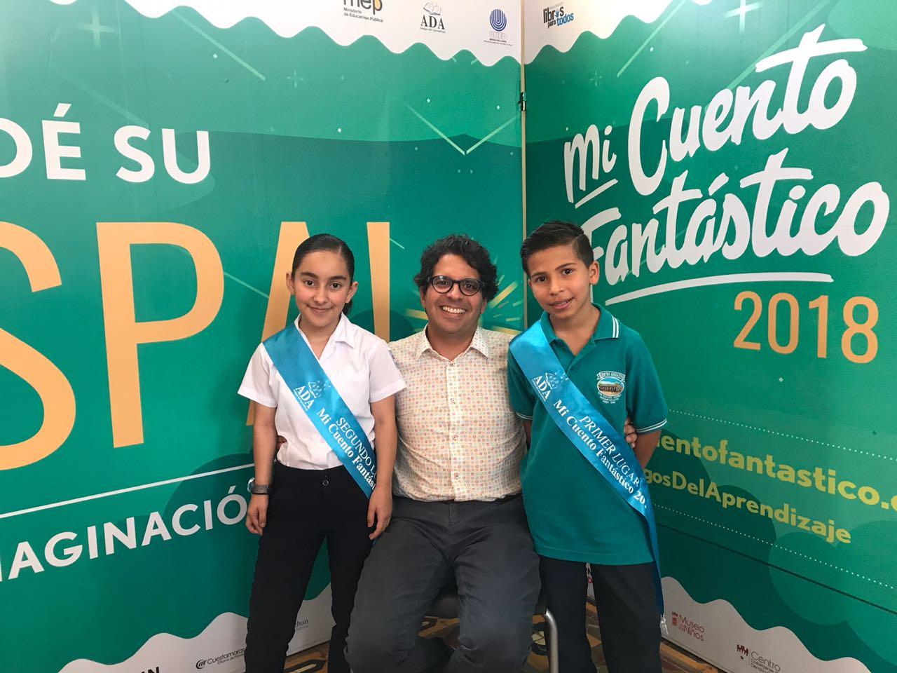 https://www.ekaenlinea.com/wp-content/uploads/2018/06/Sofía-Mora-Sr.-Edgar-Mora-Luis-Eduardo-Camacho.jpg