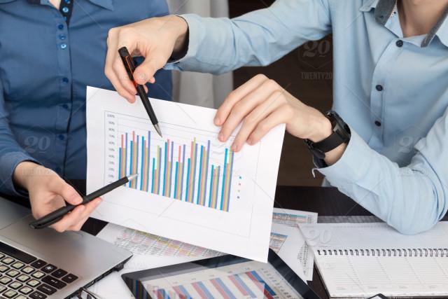 https://www.ekaenlinea.com/wp-content/uploads/2018/06/stock-photo-business-university-finance-office-teamwork-economy-college-report-chart-2d76d45c-99be-4018-b713-544ac8ce6514.jpg