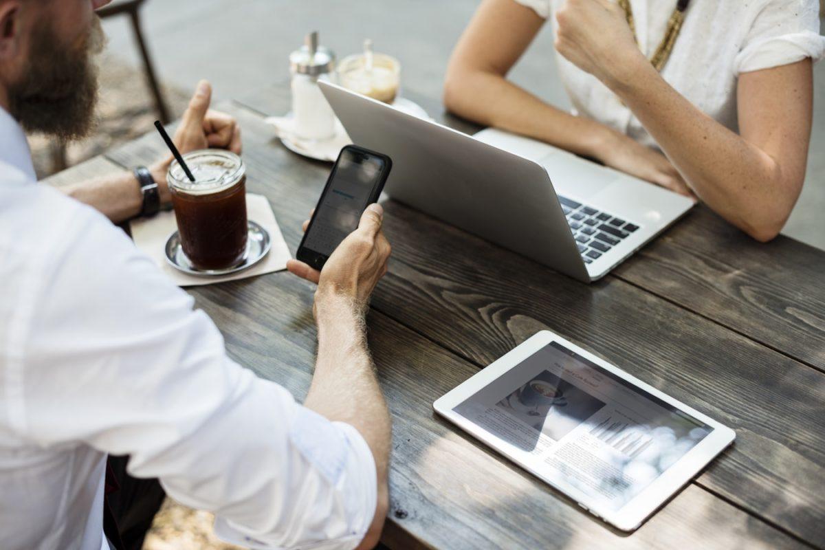 Multitasking reduce hasta 40% del tiempo productivo y es un acelerador del estrés