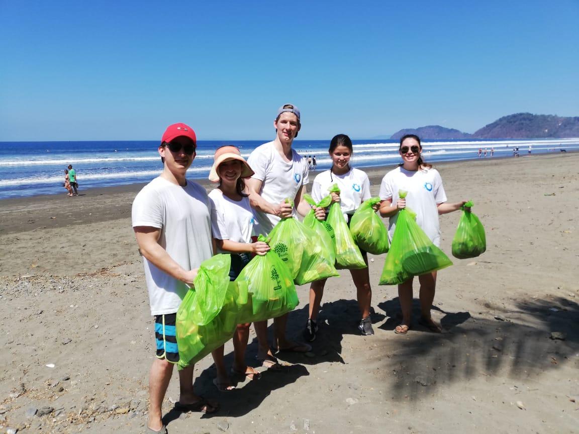 Limpieza de playas ECOSTAFF Costa Rica