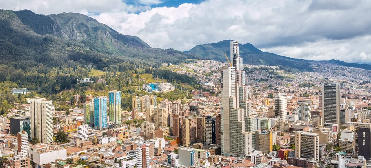 https://www.ekaenlinea.com/wp-content/uploads/2019/06/0-bogota-hero-banner-mountains-1280x580.jpg