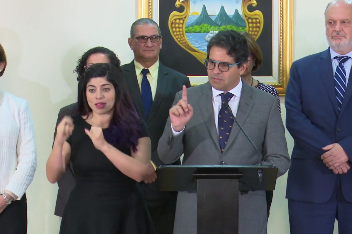 """Edga Mora: """"devuelvo el mandato designado como Ministro de Educación"""""""