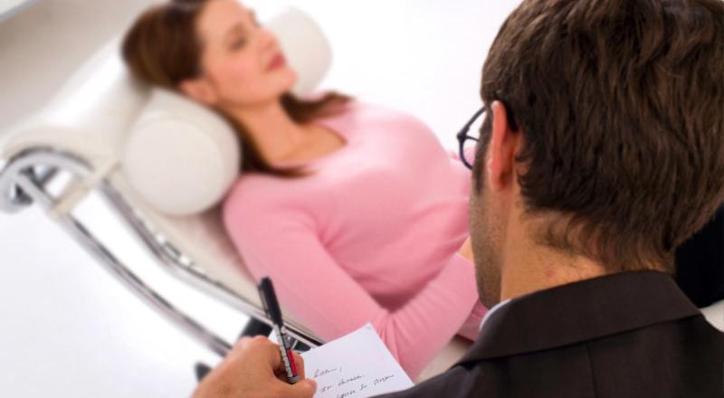 Hipnosis para aliviar el dolor: nueva terapia que implementa la CCSS