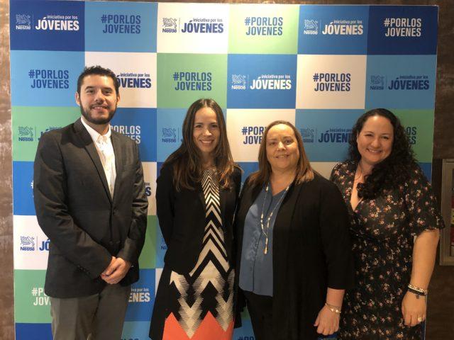 De izquierda a derecha, Jorge López, gerente financiero de Nestlé Costa Rica; Sandra Jiménez, gerente general de Nestlé Costa Rica; Olga Sauma directora de la Alianza para el Desarrollo Empresarial (AED), y Mónica Salas, gerente de Recursos Humanos de Nestlé Costa Rica.