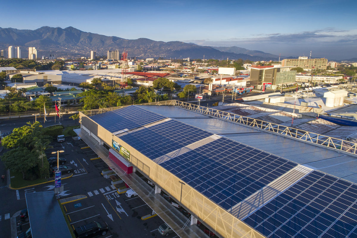 Costarricenses tendrán mayor beneficio para generar electricidad con energía solar gracias a nuevo reglamento