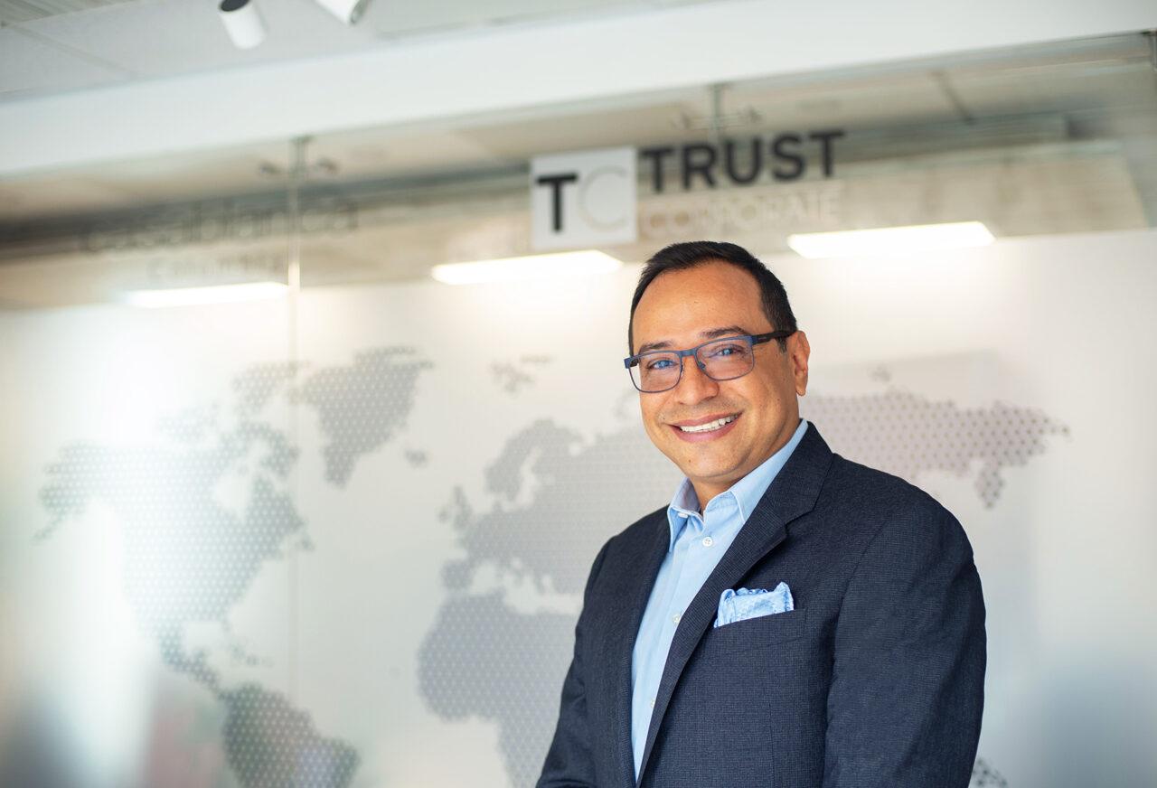 https://ekaenlinea.com/wp-content/uploads/2021/03/James-Hernández-presidente-y-cofundador-de-Trust-Corporate-1280x872.jpg